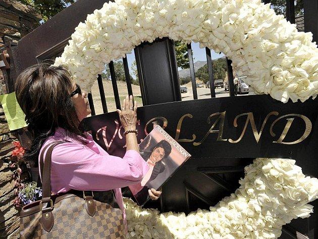 Do majetku zesnulého popového krále Michaela Jacksona patří především kalifornský ranč Neverland.