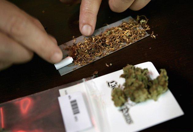Maastricht by chtěl kuřáky marihuany vystrnadit z svého centra, naráží však na odpor belgických sousedů.
