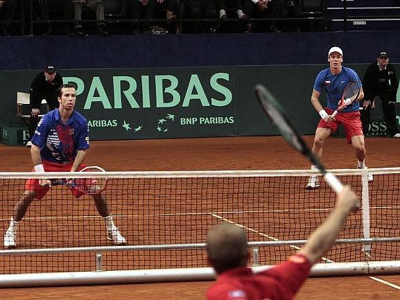 Radek Štěpánek (vlevo) společně s Tomášem Berdychem na kurtu dominovali.