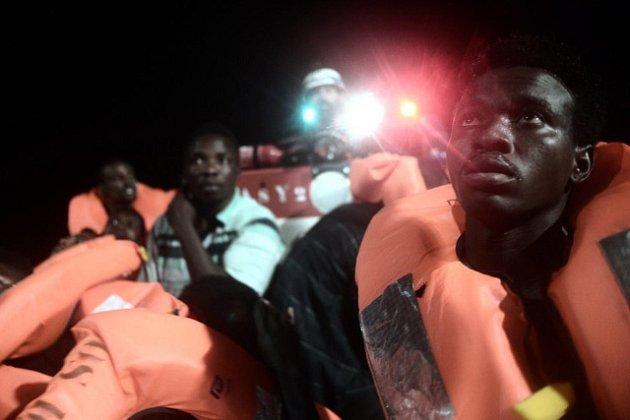 Humanitární loď Aquarius s 629 uprchlíky na palubě přijme Španělsko.