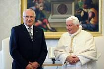 Václav Klaus a Benedikt  XVI. 30. května ve Vatikánu