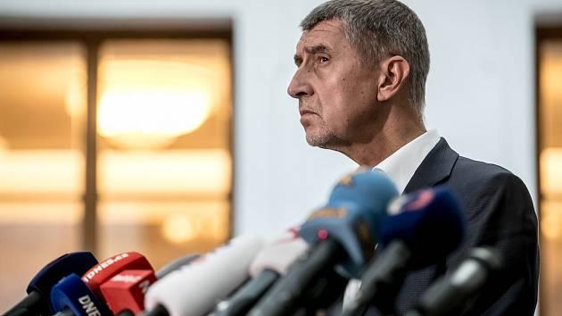 Členové mandátového a imunitního výboru Sněmovny rozhodovali 30. srpna v Praze, zda zda doporučí sněmovně, aby zbavila imunity poslance Andreje Babiše a Jaroslava Faltýnka. Na snímku jejich společná tisková konference.