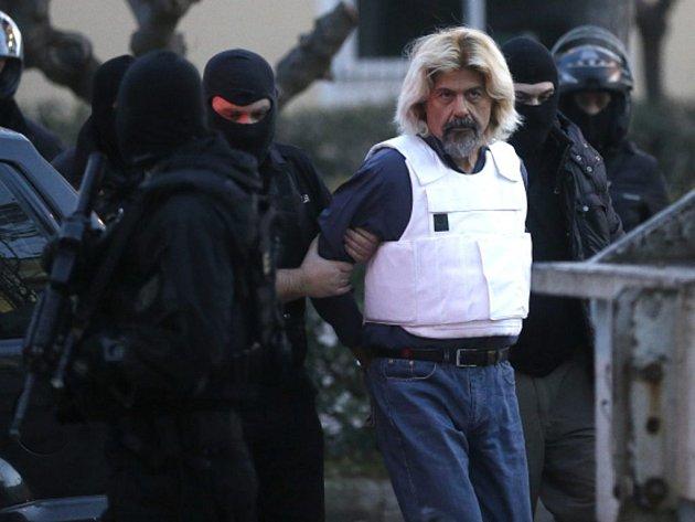 Přední levicový řecký terorista Christodulos Xiros, jenž byl v sobotu dopaden, chystal velký útok na aténskou věznici, z níž před rokem utekl.