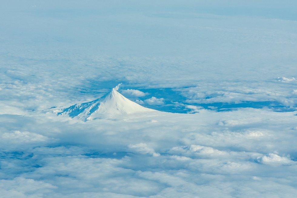 Mount Shishaldin je stratovulkán na ostrově Unimak na jihozápadě Aljašky. Je nejvyšším vrcholem Aleutských ostrovů.