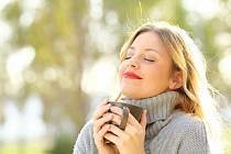 Vystavit se slunečním paprskům nezapomínejte ani v chladném počasí.
