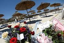 Češi, kteří jsou na dovolené v Tunisku, nemají po pátečním teroristickém útoku v letovisku Súsa vesměs zájem o dřívější návrat domů.