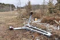 Vedení poškozené silným větrem. Ilustrační snímek