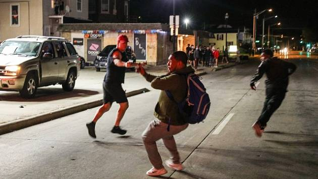 Násilné protesty v americkém Wisconsinu.