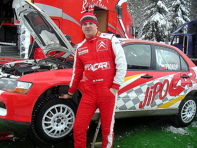 Martin Prokop startuje ve Švédsku s produkčním Mitsubishi Evo IX.