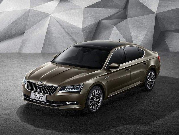 Škoda začala v Číně prodávat nový Superb.