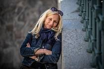 Zita Morávková studovala herectví na Konzervatoři Jaroslava Ježka, odkud po roce přešla na DAMU, kde absolvovala Katedru alternativního a loutkového divadla u Miroslava Krobota.