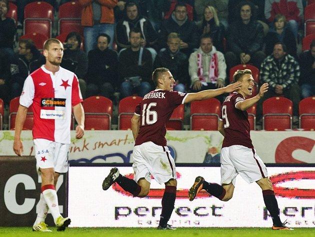 Dočkal (vpravo) právě vstřelil Slavii druhý gól.