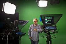 Moderátor Václav Moravec poskytl 29. srpna v Praze, v budově Česke televize, rozhovor.
