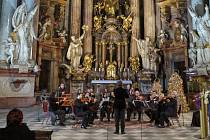 Česká televize koncertem o první adventní neděli zahájí z Břevnovského kláštera v Praze už čtyřiadvacátou charitativní sérii Adventních koncertů.