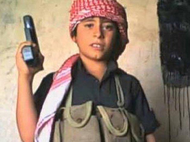 Jsou to ještě děti. Přesto je teroristé využívají k náboru dalších členů.