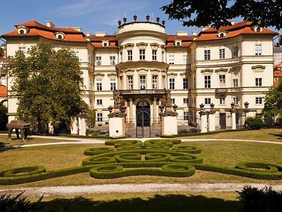 Německá ambasáda v Praze.