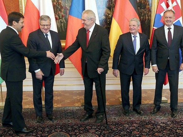 Janos Ader, Bronislaw Komorowski, Miloš Zeman, Joachim Gauck a Andrej Kiska