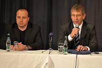 Mministr práce Jaromír Drábek na tiskové konferenci v Rubmurku