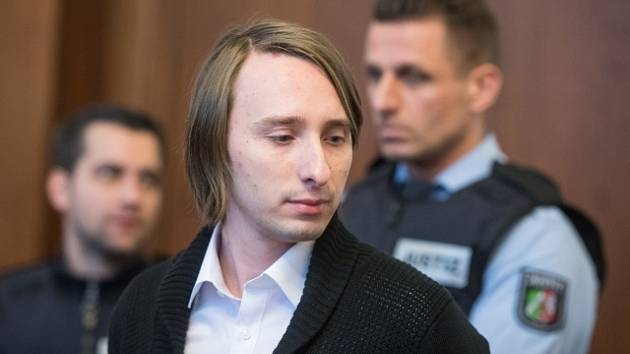 Sergej W., obviněný z útoku na hráče fotbalového klubu Borussie Dortmund, před soudem