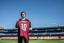 Tomáš Rosický se po patnácti letech vrací do Sparty.