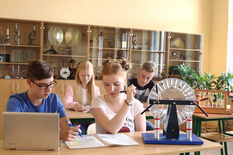 Gymnázium v Příboře - přírodovědná učebna