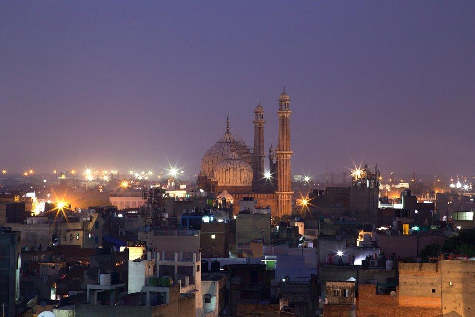 I když má Indie problémy se znečištěním vody a ovzduší, příčinou nového onemocnění nejsou