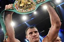 Vitalij Kličko obhájil boxerský pás pro mistra světa asociace WBC.