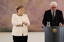 Německou kancléřku Angelu Merkelovou dnes při schůzce s prezidentem Frankem-Walterem Steinmeierem postihl tělesný třes