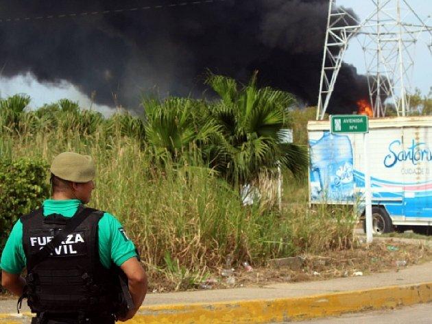 Tři mrtvé a desítky zraněných si ve středu vyžádala exploze petrochemického závodu v mexickém přístavním městě Coatzacoalcos.