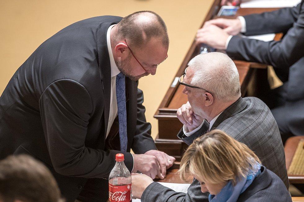 Jednání o důvěře vlády v Poslanecké sněmovně 16. ledna v Praze.