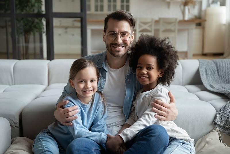 Pozitivní zpětnou vazbu děti skutečně potřebují k zdravému seberozvoji, ale stejně tak potřebují přijmout i své chyby a naučit se na sobě pracovat