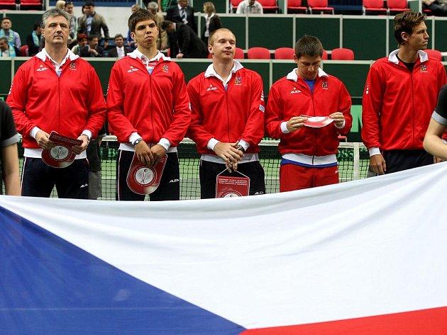 Český daviscupový tým před duelem s Kazachstánem (zleva): Jaroslav Navrátil, Jiří Veselý, Lukáš Dlouhý, Jan Hájek a Tomáš Berdych.