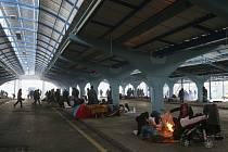 Migranti tábořící v Edirne