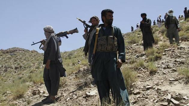 Bojovníci Talibanu, ozbrojenci - ilustrační foto