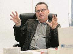 Tomáš Drápela přišel do západočeské metropole v roce 1995. Dnes tu vede miliardový byznys.