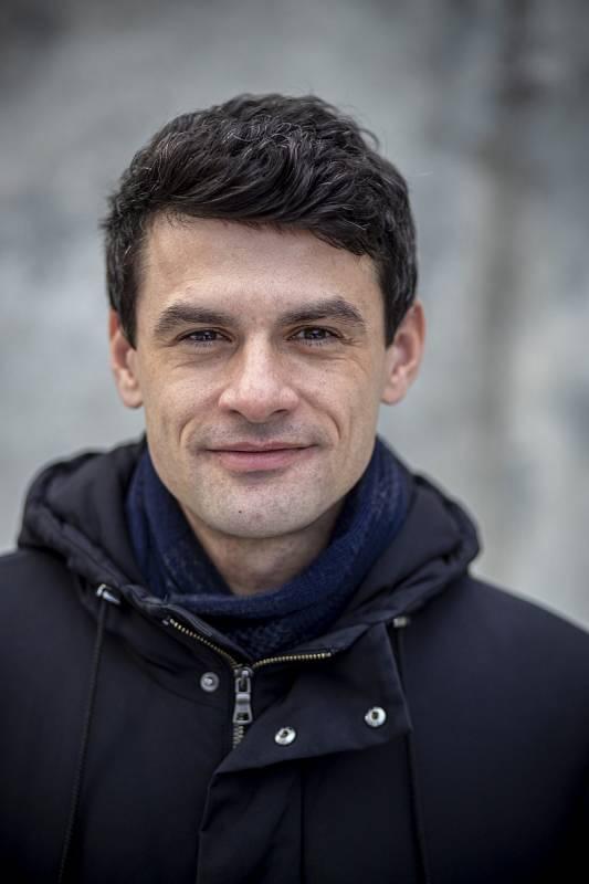 Jan Šoupal jako první v ČR provedl v roce 2018 implantaci dlouhodobého podkožního senzoru.