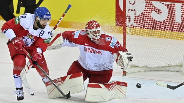 Dánský gólman Dahm zlikvidoval hodně českých šancí.