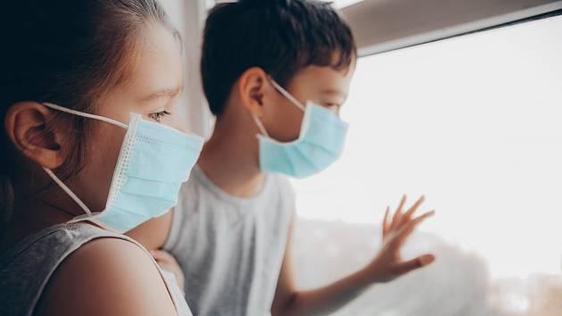 Postcovidový syndrom může u dětí způsobit dlouhodobé komplikace.