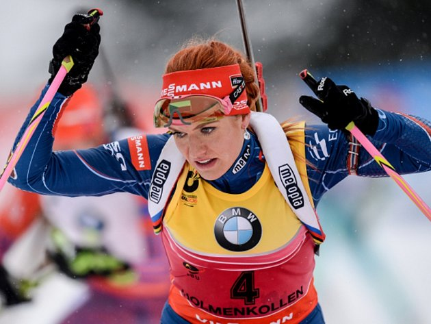 Gabriela Soukalová ve stíhacím závodě na mistrovství světa.