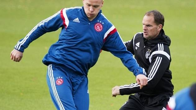 Kometa z Ajaxu Kolbeinn Sigthórsson (vlevo). Jeho bilance v reprezentaci Islandu je úchvatná: 26 zápasů, 16 gólů.
