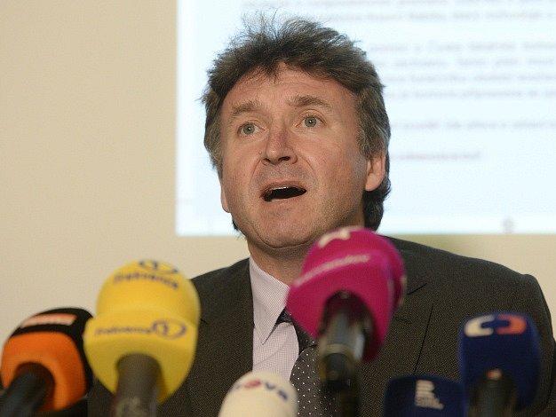 Prezident České lékařské komory (ČLK) Milan Kubek vystoupil 7. března v Praze na tiskové konferenci k současné situaci ve zdravotnictví.