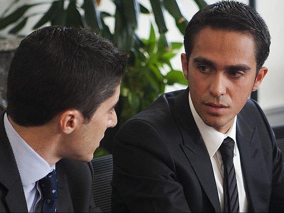 Cyklista Alberto Contador se svým právníkem Andy Ramosem stanuli v pondělí poprvé před arbitrážním soudem