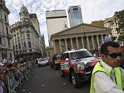Start Dakaru v Buenos Aires: Tisíce fanoušků u trati