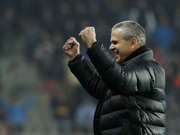 Šťastný trenér Sparty Vítězslav Lavička po remíze s Lyonem.