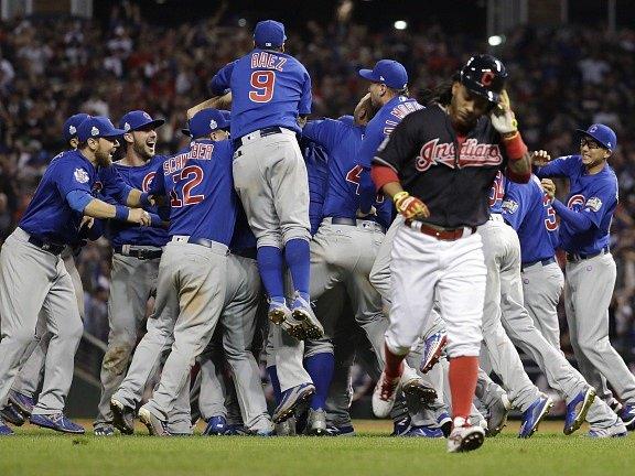 Baseballisté Chicaga Cubs vyhráli po 108 letech zámořskou MLB.