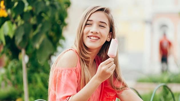 Nanuky na dřívku patří mezi nejoblíbenější zmrzlinové výrobky.