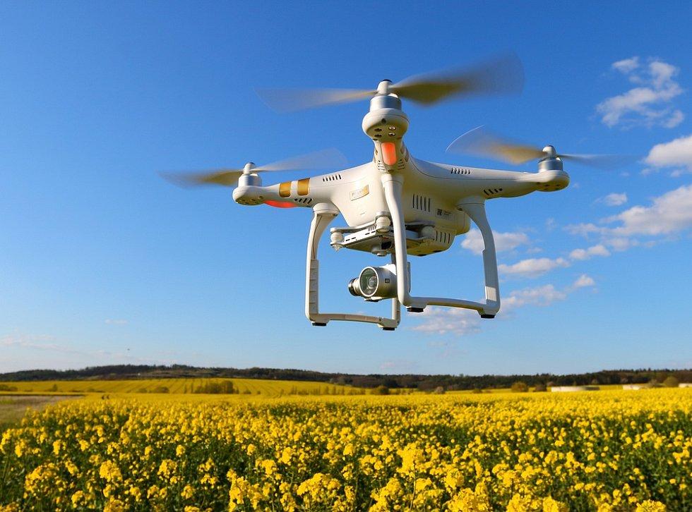 Dron - Ilustrační foto