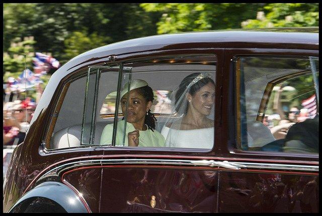Přijíždí nevěsta Meghan Markleová