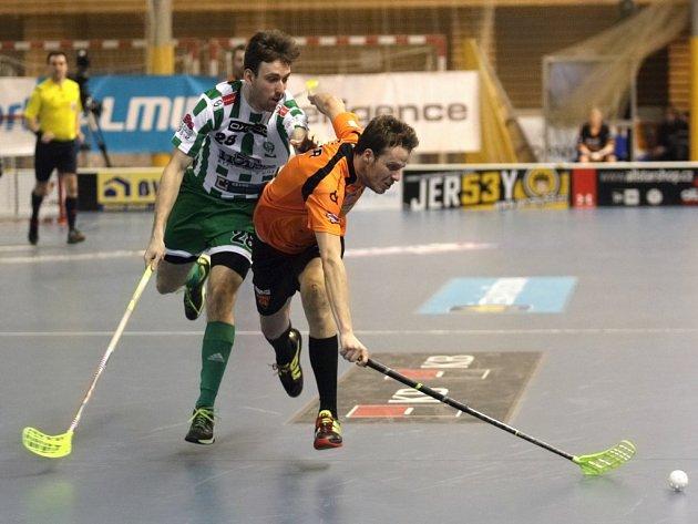 Florbalisté Brna (v oranžovém) proti Bohemians.