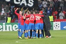 Fotbalisté Plzně se radují z vítězství nad CSKA Moskva, kterým si zajistili účast v jarních bojích Evropské ligy.